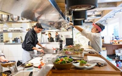Restaurante Aizomê se reinventa durante a pandemia e descobre nova fonte de renda